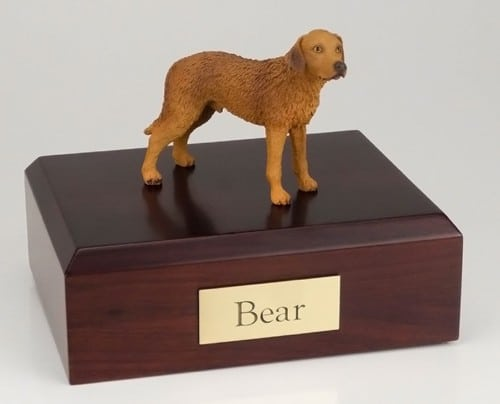 Chesapeake Bay Retriever figurine cremation urn w/wood box