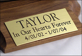 Brass nameplate for memorial urns. Includes free engraving.