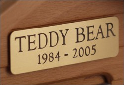 Brass nameplate for memorial urns. Rounded edges. Includes free engraving.