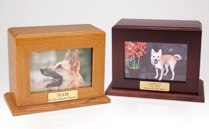 Wood cremation urn, horizontal, with slot for photo