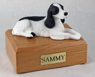 Springer Spaniel figurine cremation urn w/wood box